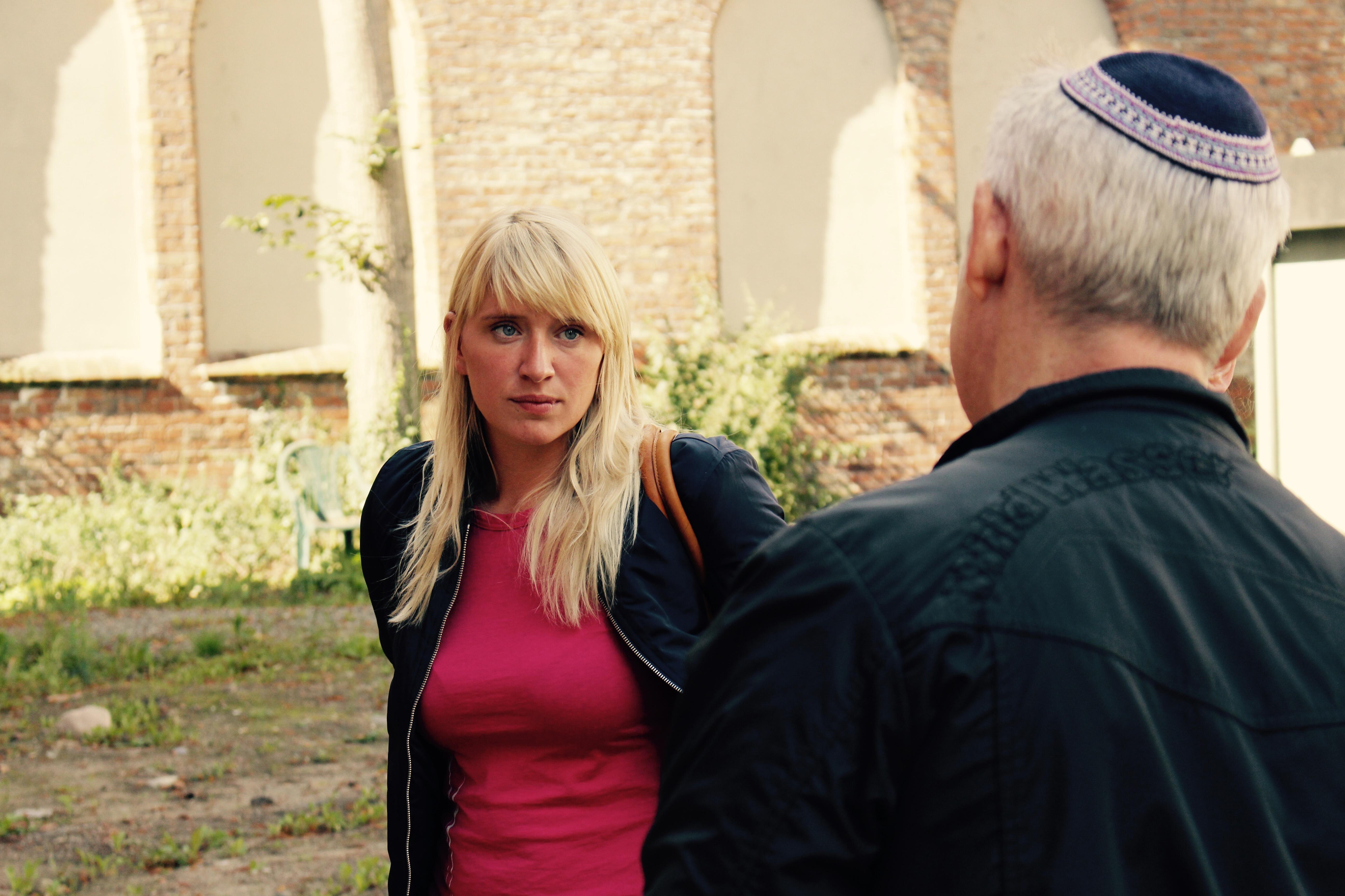 Luise besucht Lübecker Synagoge | Luise-Amtsberg